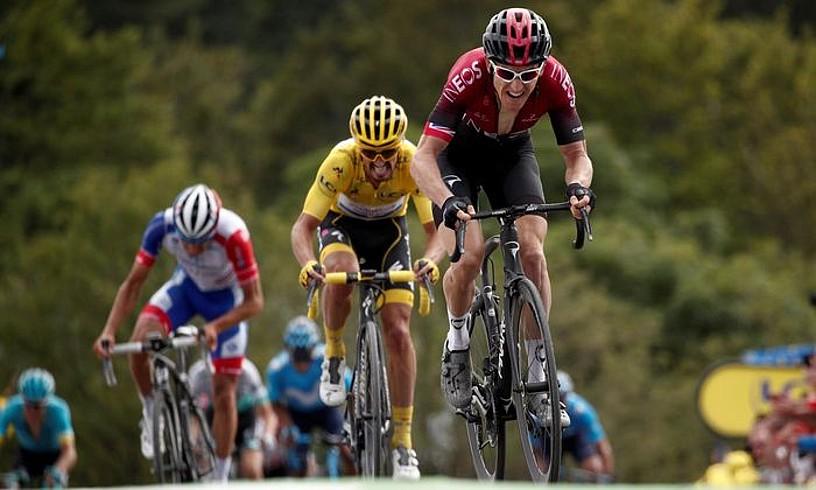 Geraint Thomasek atzoko etapan erasoa jo eta Julian Alaphilippe atzean utzi zuenean, La Planche des Belles Filleseko igoerako azken kilometroan. ©YOAN VALAT/ EFE