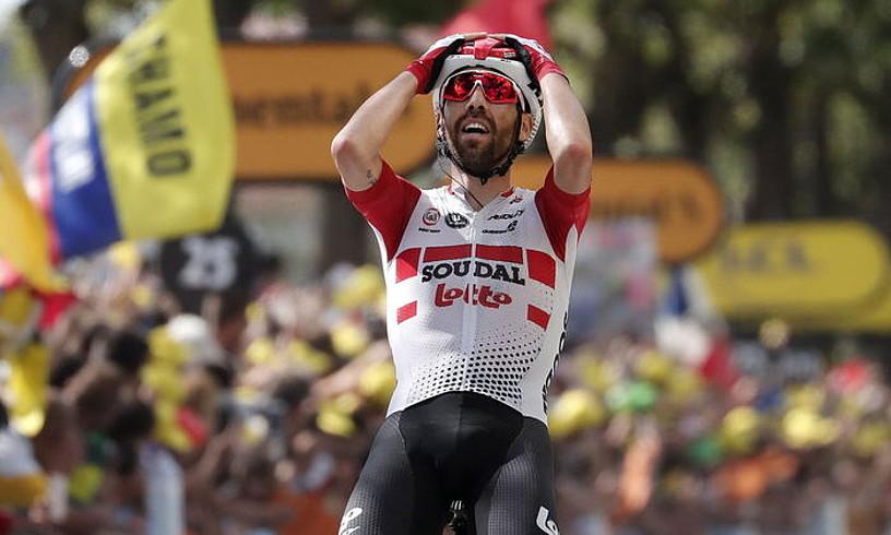 Thomas de Gendt Lotto Soudaleko txirrindularia, atzo Tourrean lortutako garaipena ospatzen. ©GUILLAUME HORCAJUELO / EFE