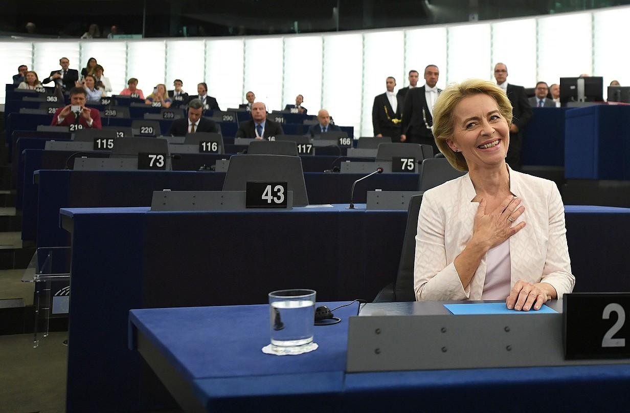 Ursula von der Leyen Europako Batzordeko presidente izendatu berria, bozketaren emaitzak jakin berritan, atzo, Europako Parlamentuan. ©PATRICK SEEGER / EFE