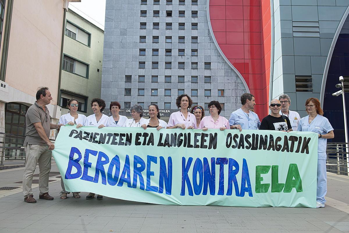 Langileak, atzo, protestan. ©JON URBE / FOKU