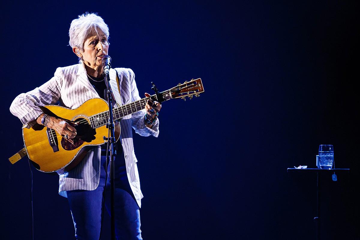 Joan Baez musikari eta konpositorea. ©VALENTIN FLAURAUD / EFE