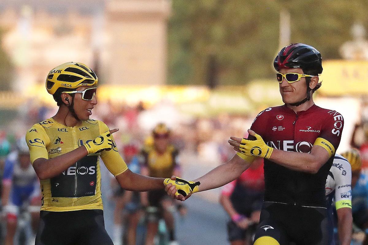 Egan Bernal Frantziako Tourreko irabazlea eta Geraint Thomas bigarren sailkatua, igandean, Parisen. ©G. HORCAJUELO / EFE