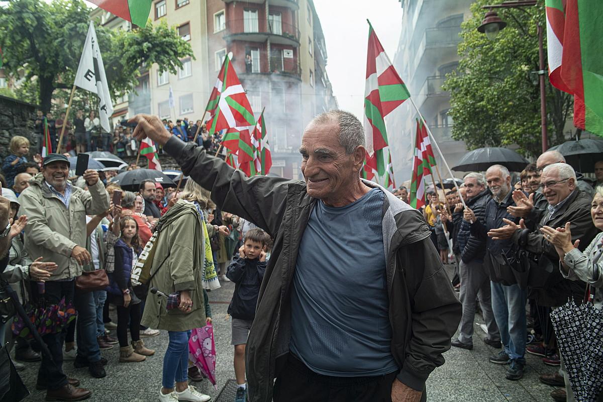 Jose Jabier Zabaleta <em>Baldo</em> preso ohiari Hernanin larunbatean egindako harrera. ©JON URBE / FOKU