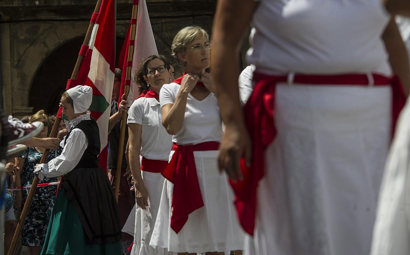 Dantza ikuskizuna, Lizarrako txupinazoan. ©JAGOBA MANTEROLA / FOKU