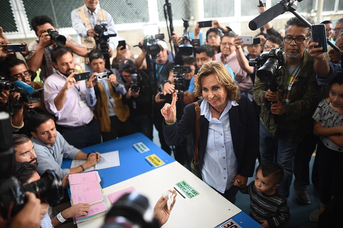 UNE alderdi sozialdemokratako Sandra Torres hautagaiak lortu zuen boto gehien presidentetzarako hauteskundeen lehen itzulian. ©EDWIN BERCIAN / EFE