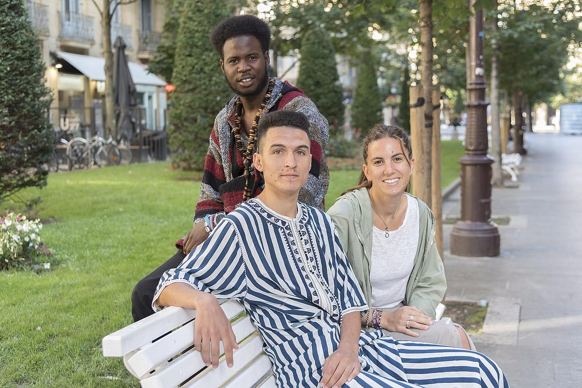 Atzean, Abdoulaye Sarr; aurrean, Jaouad Aouraghr eta Garazi Montuschi.
