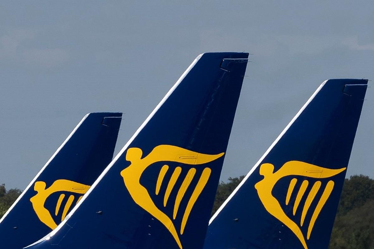 Ryanairren hegazkinak, atzo, Ingalaterrako Stansted aireportuan. ©WILLIAM OLIVER / EFE