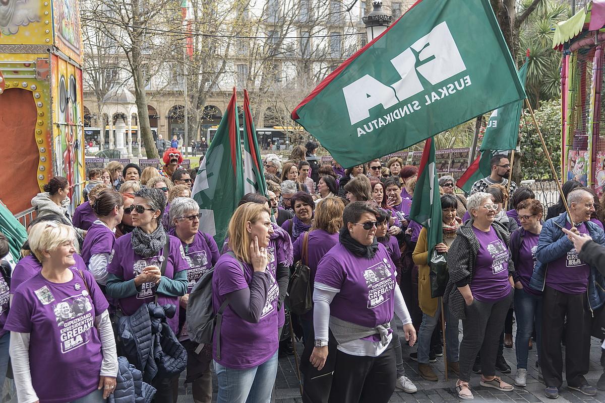 Gipuzkoako zahar etxeetako langileen protesta bat, martxoan. ©ANDONI CANELLADA / FOKU