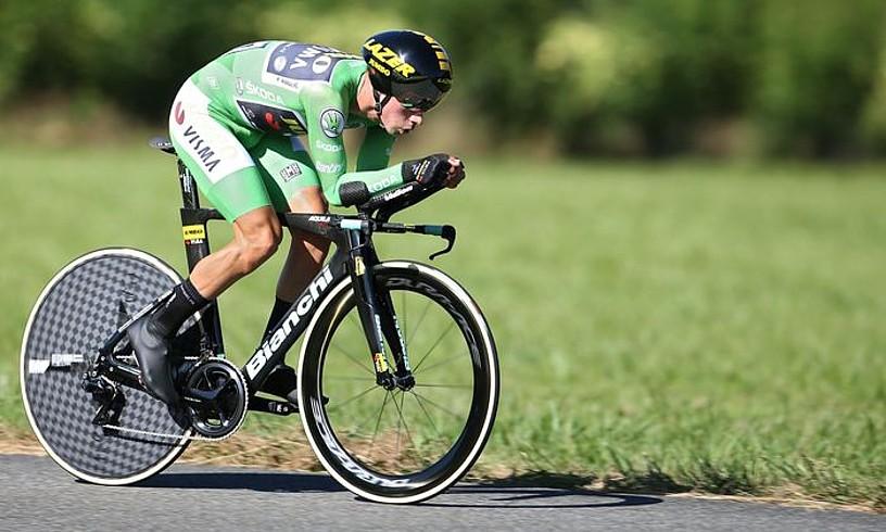 Primoz Roglic, ahalegin betean, atzo, Espainiako Vueltako erlojupekoan. ©JAVIER LIZON / EFE