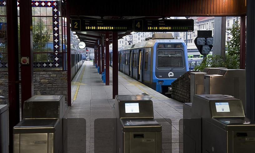 Atxuriko tren geltokia betiko itxiko dute gaur. ©LUIS JAUREGIALTZO / FOKU