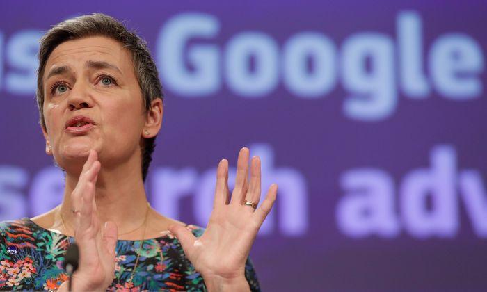 Margrethe Vestager komisarioa aurtengo martxoan, Googleri ezarritako azken isunaren inguruko xehetasunak ematen. ©STEPHANIE LECOCQ / EFE