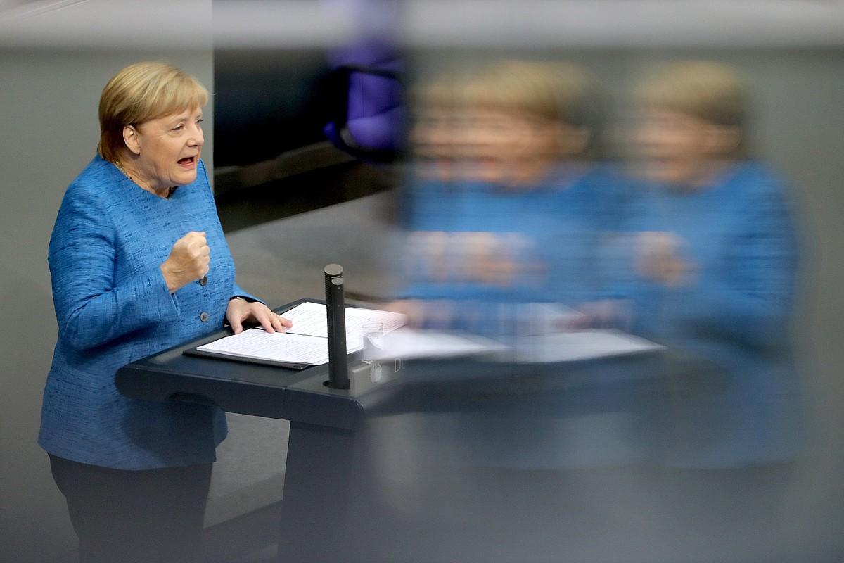 Angela Merkel Alemaniako gobernuburua, aurrekontuei buruzko eztabaidan, atzo, Bundestagen.