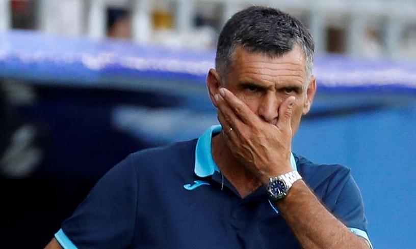 Jose Luis Mendilibar, pentsakor, Espanyolen aurkako partidan. ©JUAN HERRERO / EFE