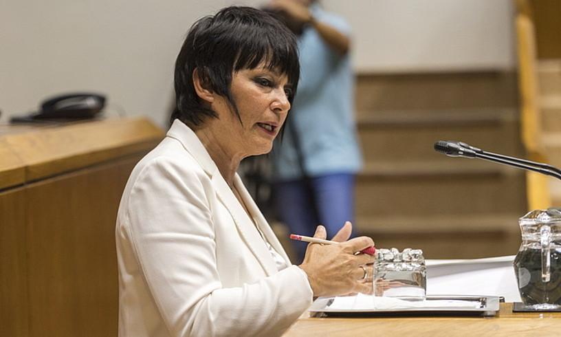 Maddalen Iriarte, atzo, politika orokorreko eztabaidan.