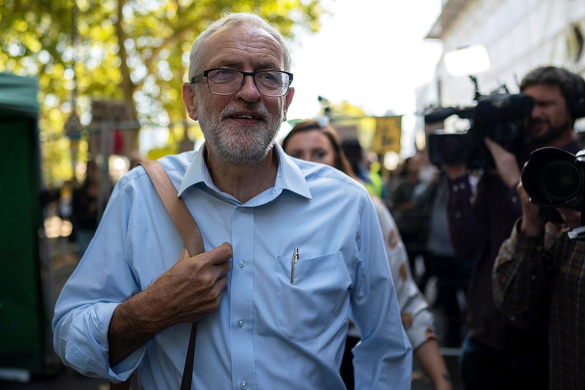 Jeremy Corbyn laboristen buruzagia, herenegun, klima larrialdiaren kontrako protesta batean, Londresen.