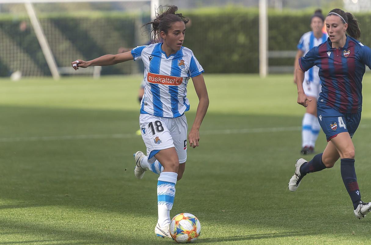 Lucia Rodriguez Realeko atzelaria. ©ANDONI CANELLADA / FOKU