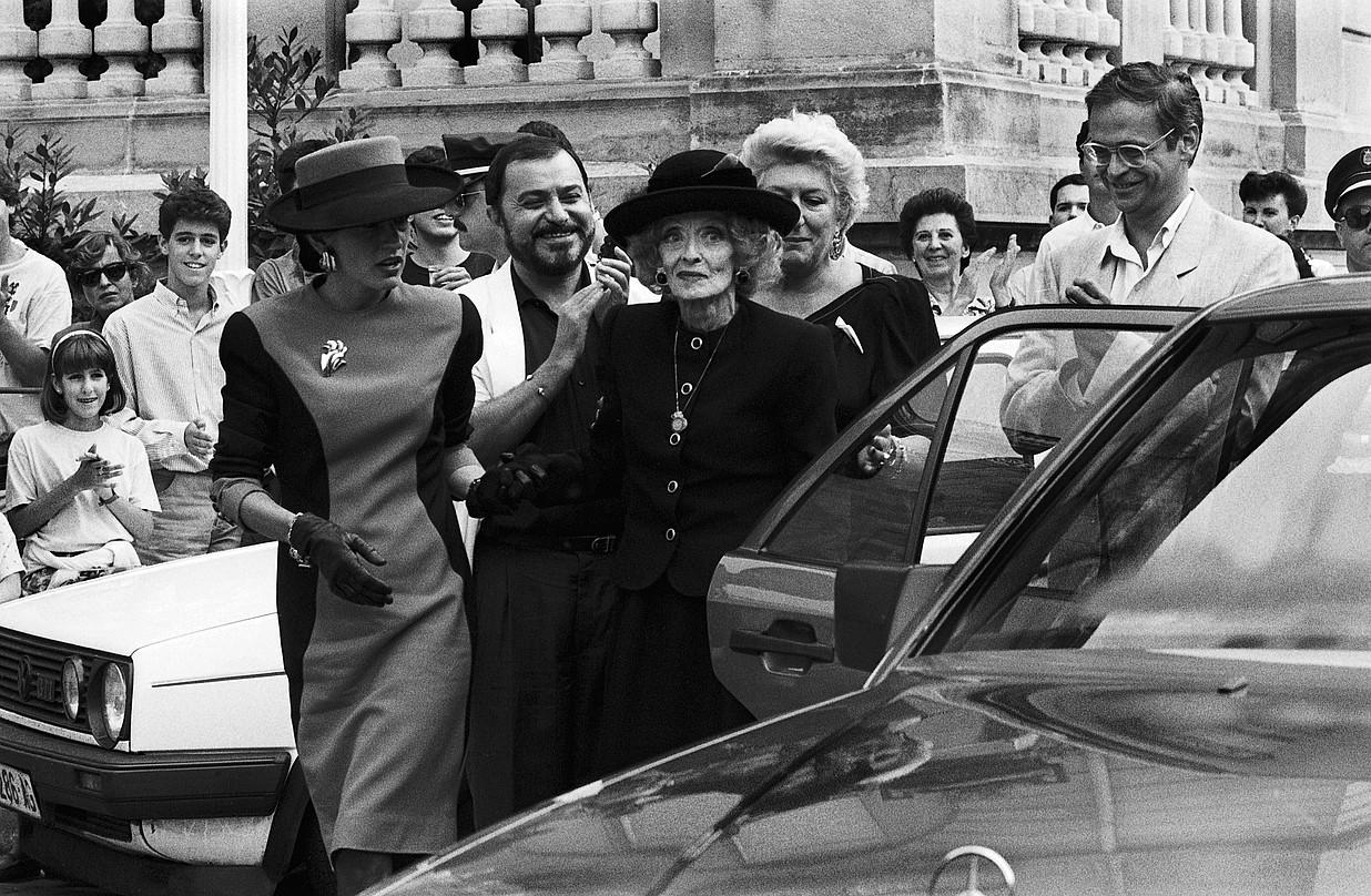 Bette Davis, Maria Cristina hotelera iritsi zenean. ©DONOSTIAKO ZINEMALDIA