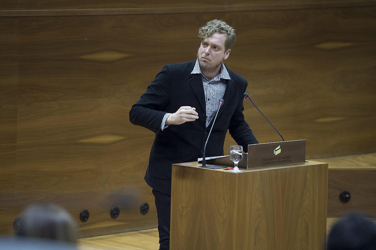 Ramirez, Nafarroako Parlamentuko saio batean, iazko martxoan. ©IÑIGO URIZ / FOKU
