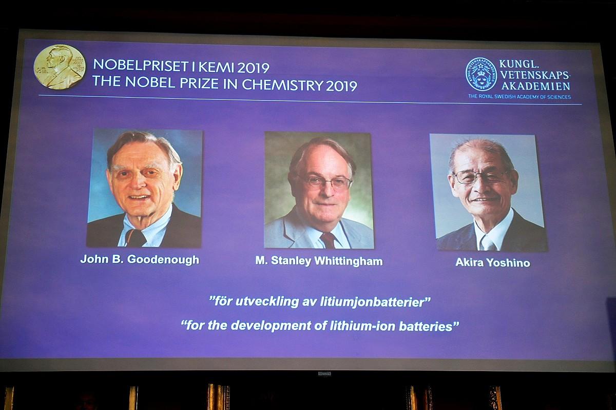 Irudian, Kimikako Nobel saria eskuratu duten zientzialariak.