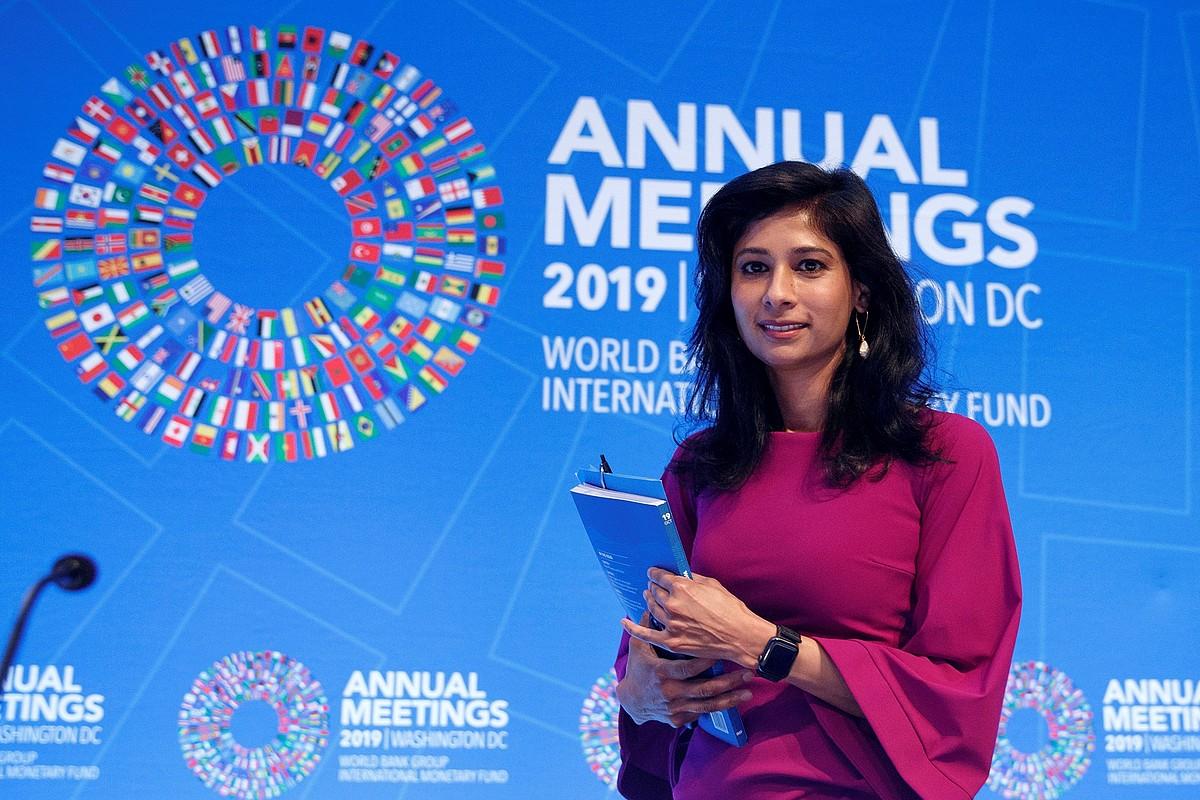 Gita Gopinath Nazioarteko Diru Funtseko ekonomisten burua, atzo, Washingtonen. ©SHAWN THEW / EFE