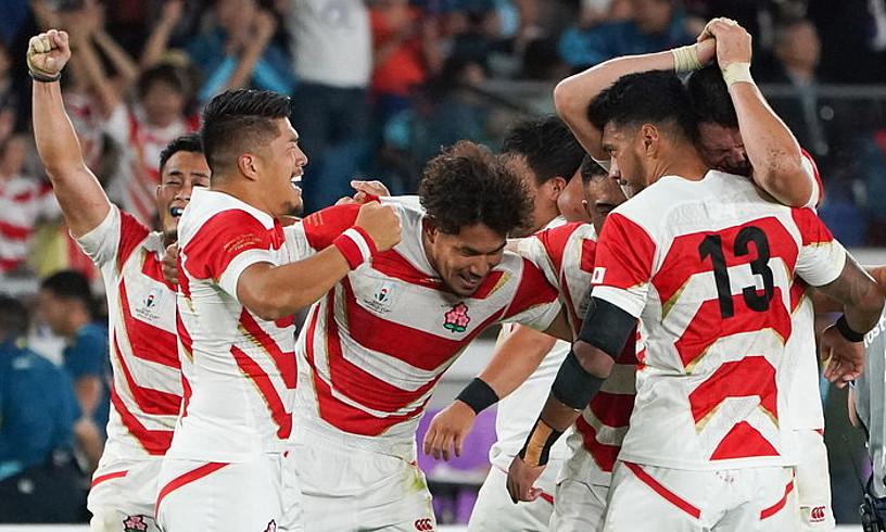 Japoniako selekzioko jokalariak Eskoziaren aurka irabazitako partida ospatzen. ©CHRISTOPHER JUE / EFE