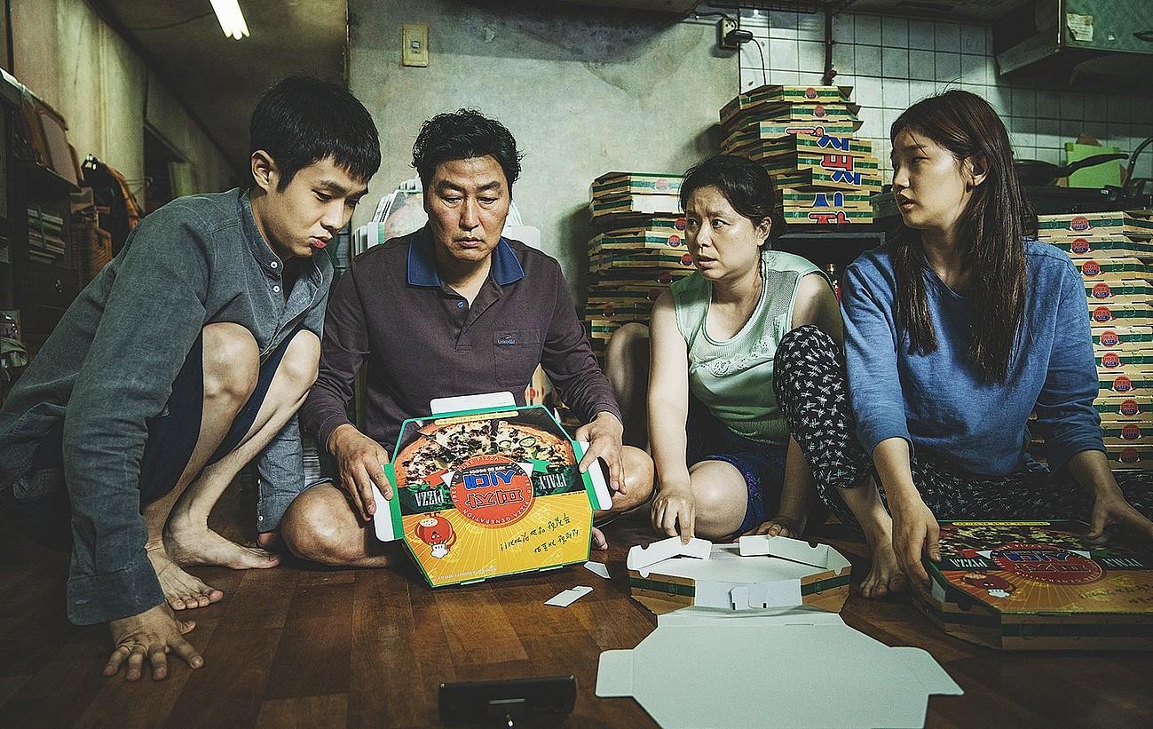 Bi familien harremanari buruzko filma da Hego Koreako <em>Gisaengchung</em>. ©BERRIA