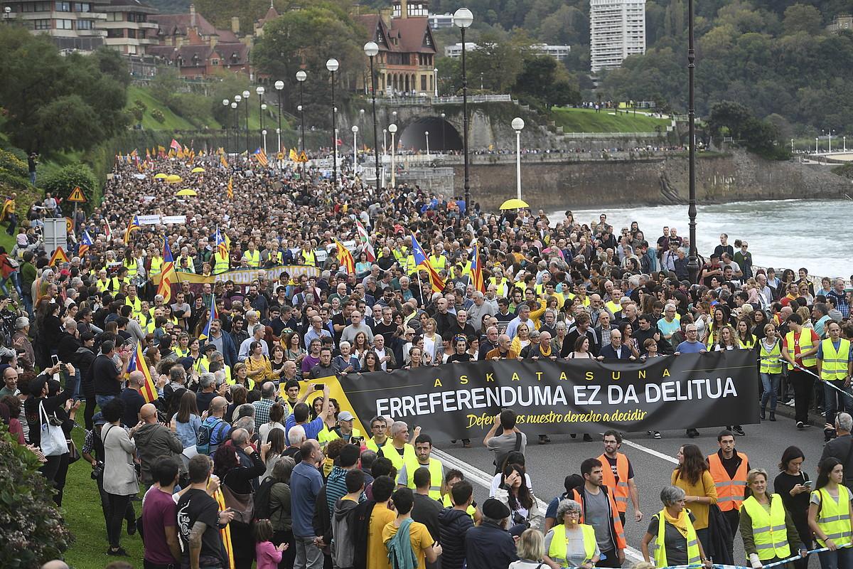 Erreferendumaren defentsan Gure Esku-k deituta Donostian egindako manifestazioa.