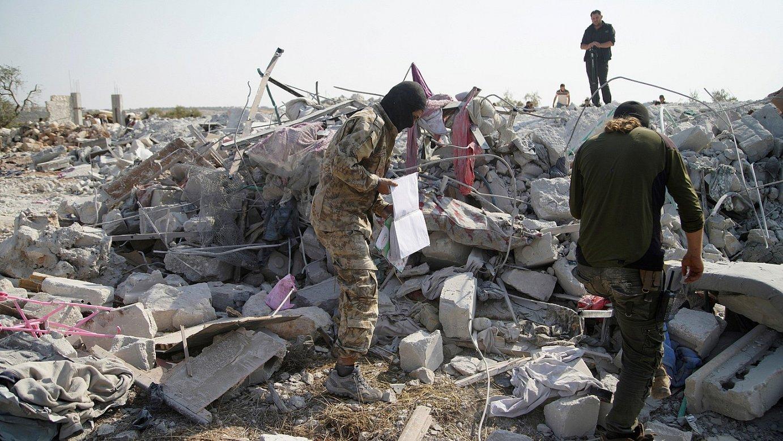 AEBek Al-Baghdadiren aurka egindako erasoak sortutako txikizioa, herenegungo irudi batean, Barixan. ©YAHYA NEMAH / EFE