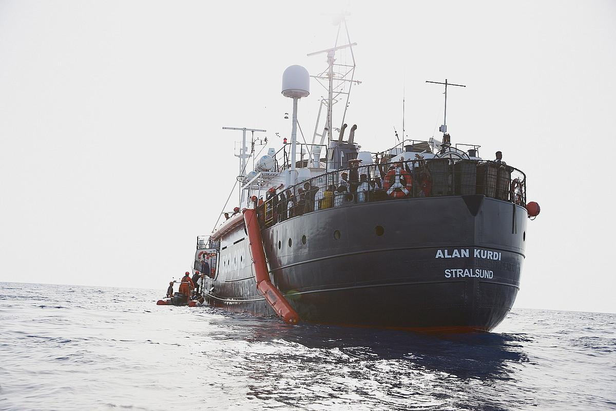'Alan Kurdi' ontzia Libiako kostaldetik gertu, joan den uztailaren 5ean. ©FABIAN HEINZ / EFE