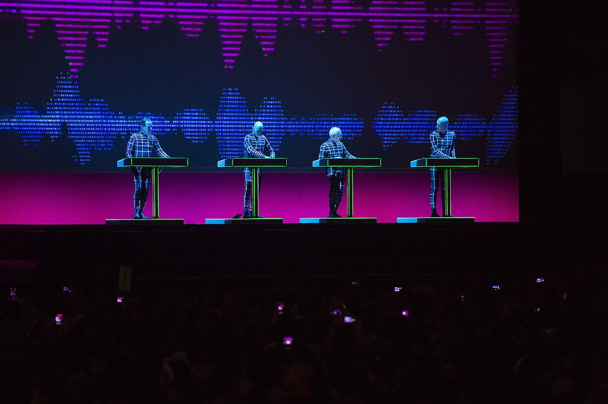 Kraftwerk taldeko kideak, ostiralean, BIME jaialdian emandako kontzertuan. ©MONIKA DEL VALLE / FOKU