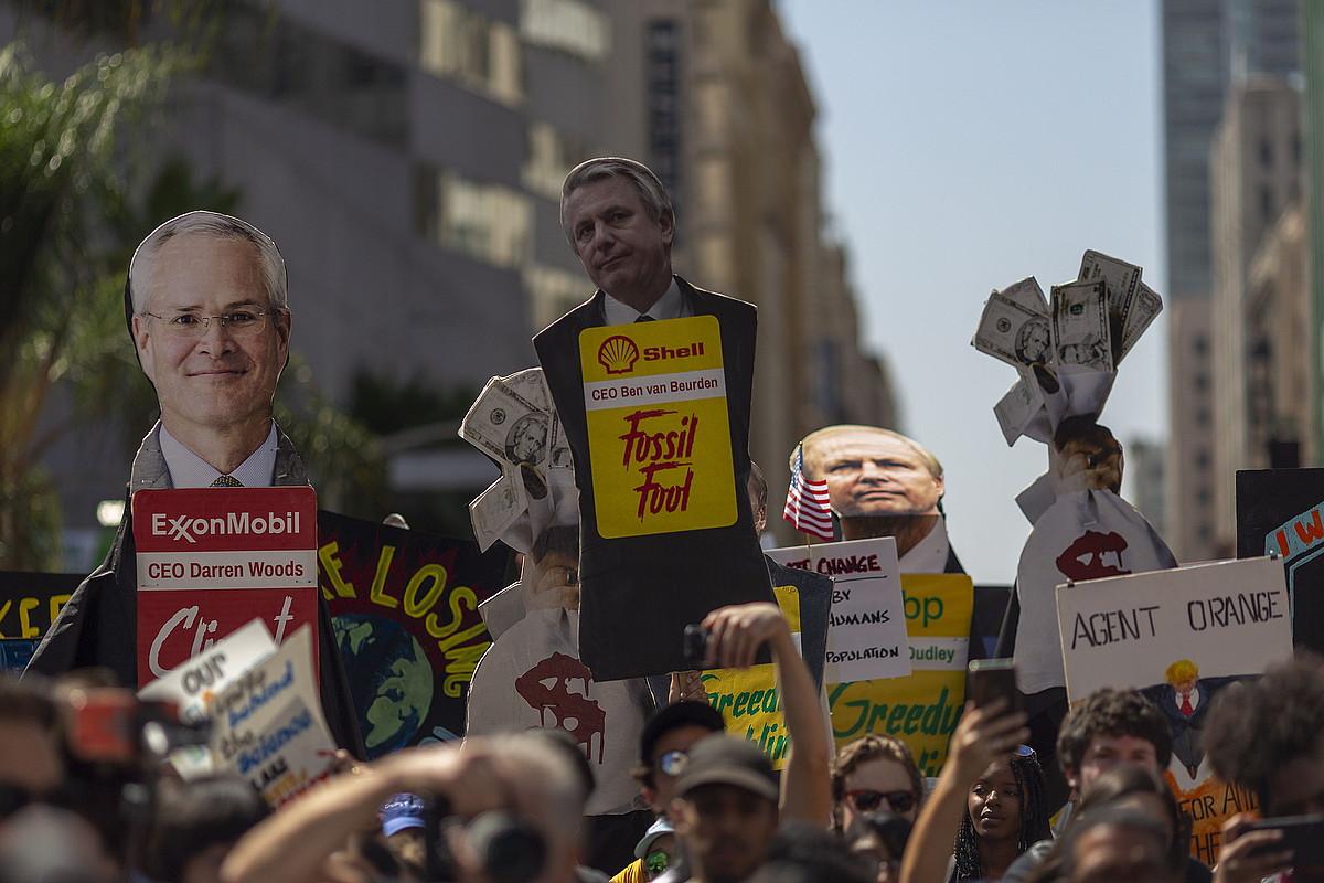 Klima larrialdearen aurkako manifestazioa Los Angelesen (AEB), pasa den irailaren 20an. ©DAVID MCNEW / EFE