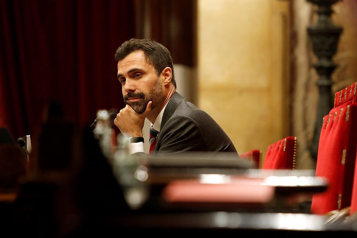 Roger Torrent Kataluniako Parlamentuko presidentea legebiltzarrean, joan den irailaren 25ean.
