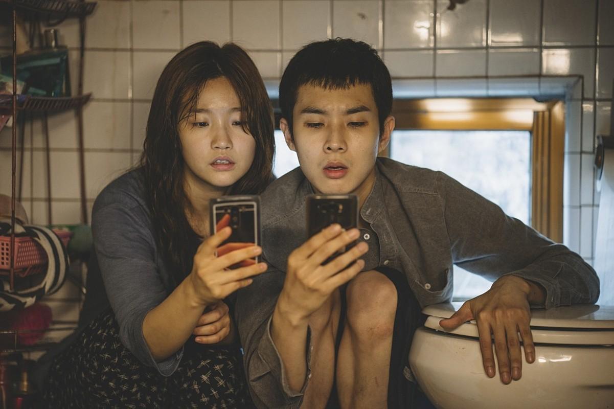 Bong Joon-ho zinemagilearen <em>Gisaengchung</em> filmeko fotograma bat. ©BERRIA