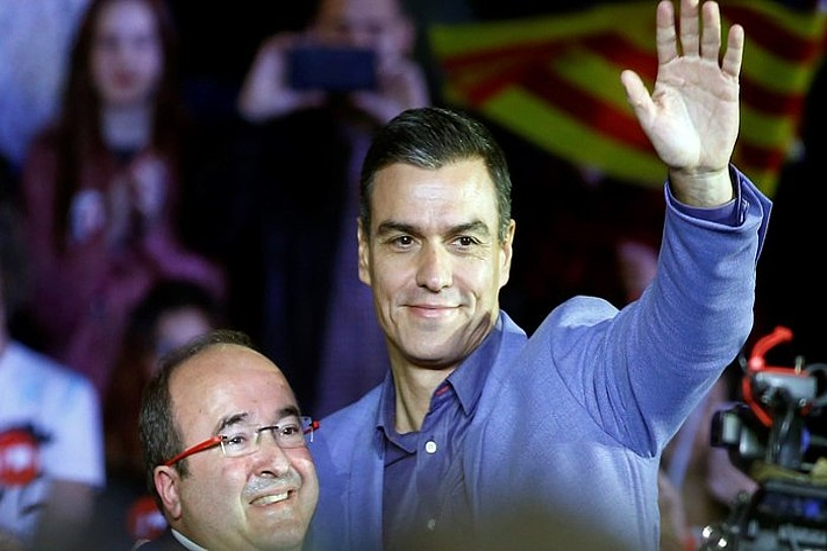 Miquel Iceta eta Pedro Sanchez, atzo, Bartzelonan. / QUIQUE GARCIA / EFE