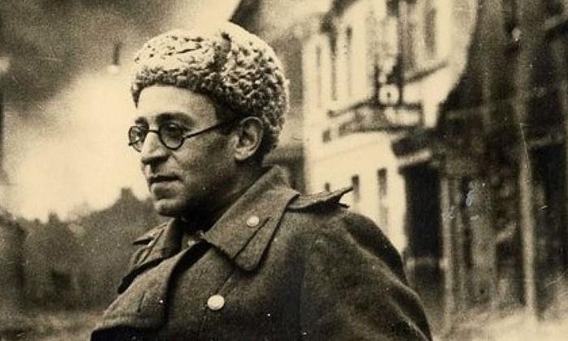 Vasili Grossman kazetari aritu zen Armada Gorrian II. Mundu Gerran. Argazkia 1945ekoa da. ©BERRIA