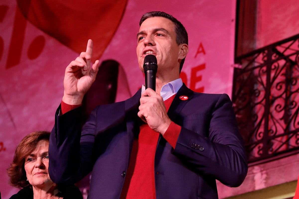 Pedro Sanchez, PSOEren hautagaia, bart gauean egindako agerraldian. ©JUANJO MARTIN / EFE
