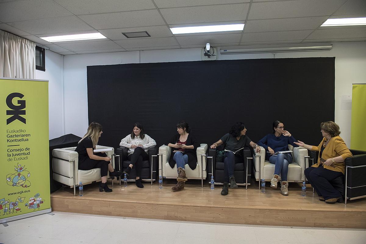 Ipiñazar, Etxebarrieta, Arana, Rojo eta De Bengoetxea Irati Sarasuak gidatutako mahai inguruan, asteazkenean, Donostian. ©GORKA RUBIO / FOKU