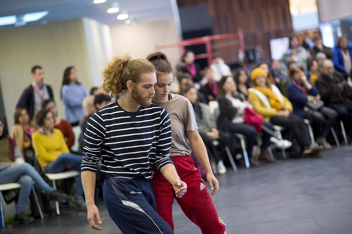 Dantza performancea Baluarteko ezkaratzean, 948 Merkatuan. ©IÑIGO URIZ / FOKU