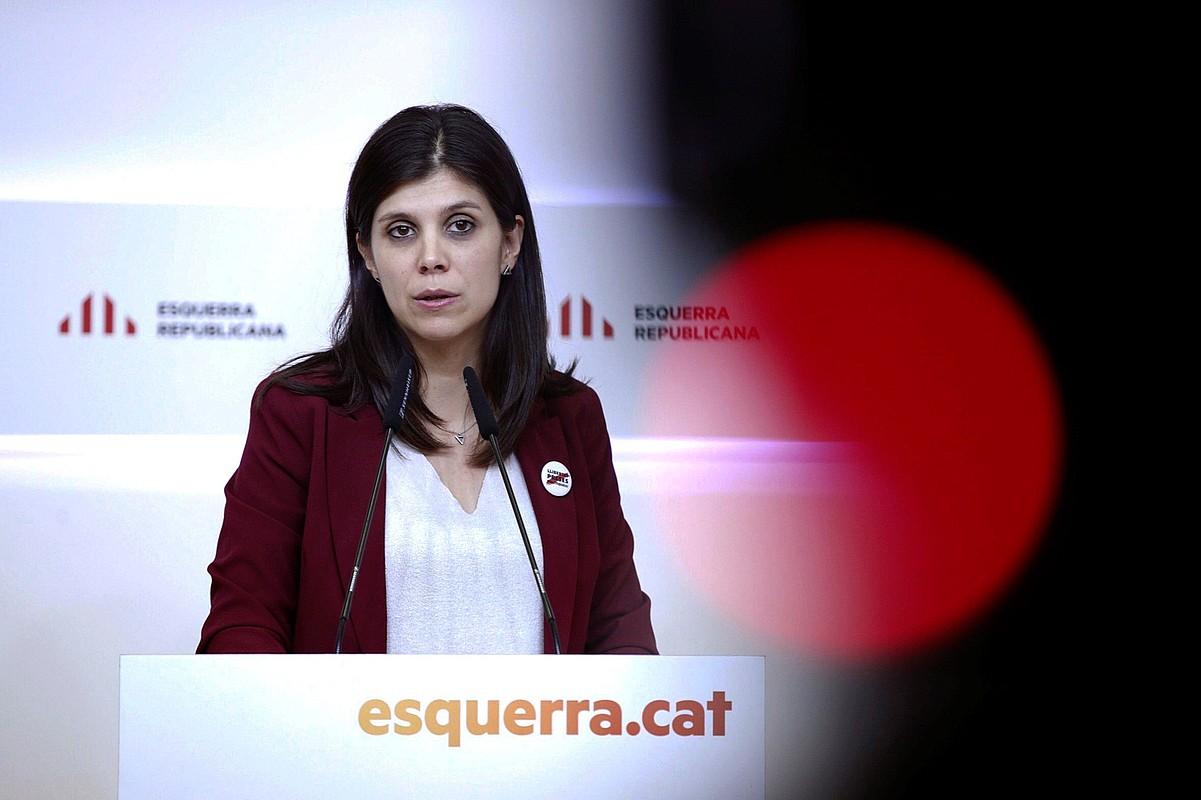 Marta Vilalta ERCko bozeramailea, atzo, hedabideen aurreko agerraldian, Bartzelonan. ©ALEJANDRO GARCIA / EFE