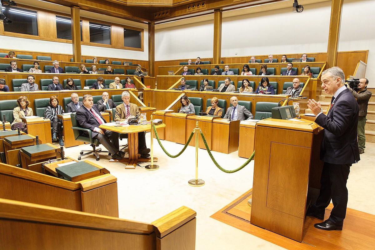 Iñigo Urkullu Jaurlaritzako lehendakaria, atzo, Eusko Legebiltzarrean egindako kontrol saioan. ©DAVID AGUILAR / EFE