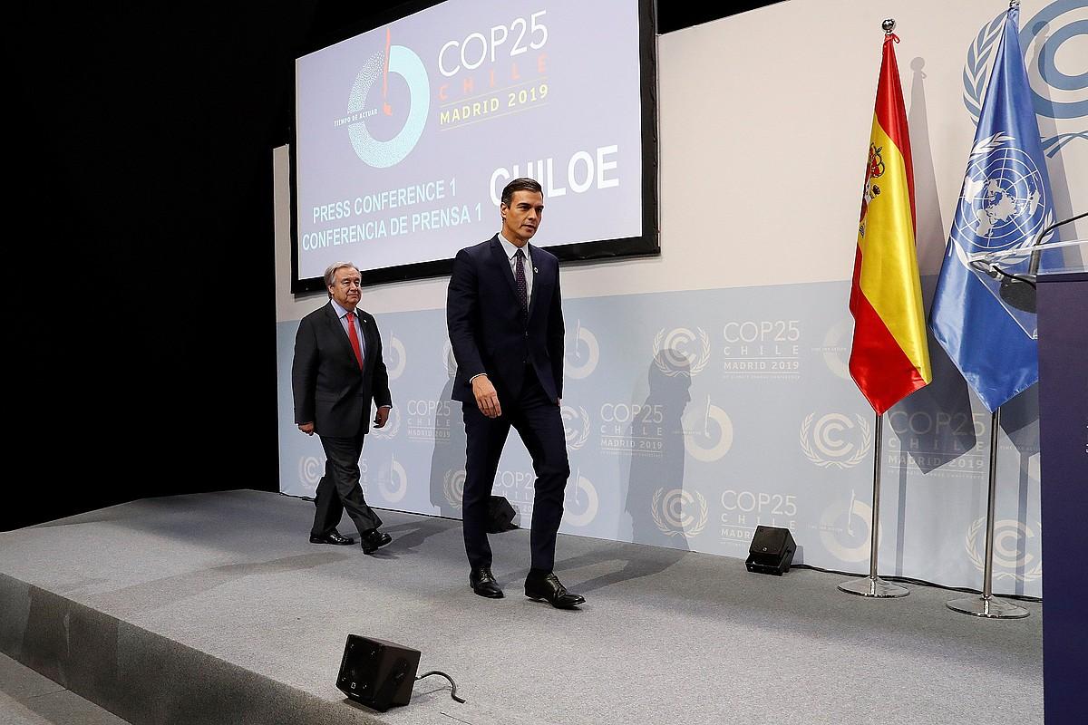 Pedro Sanchez eta Antonio Guterres, atzo, COP25a inauguratzeko ekitaldian. ©ZIPI / EFE