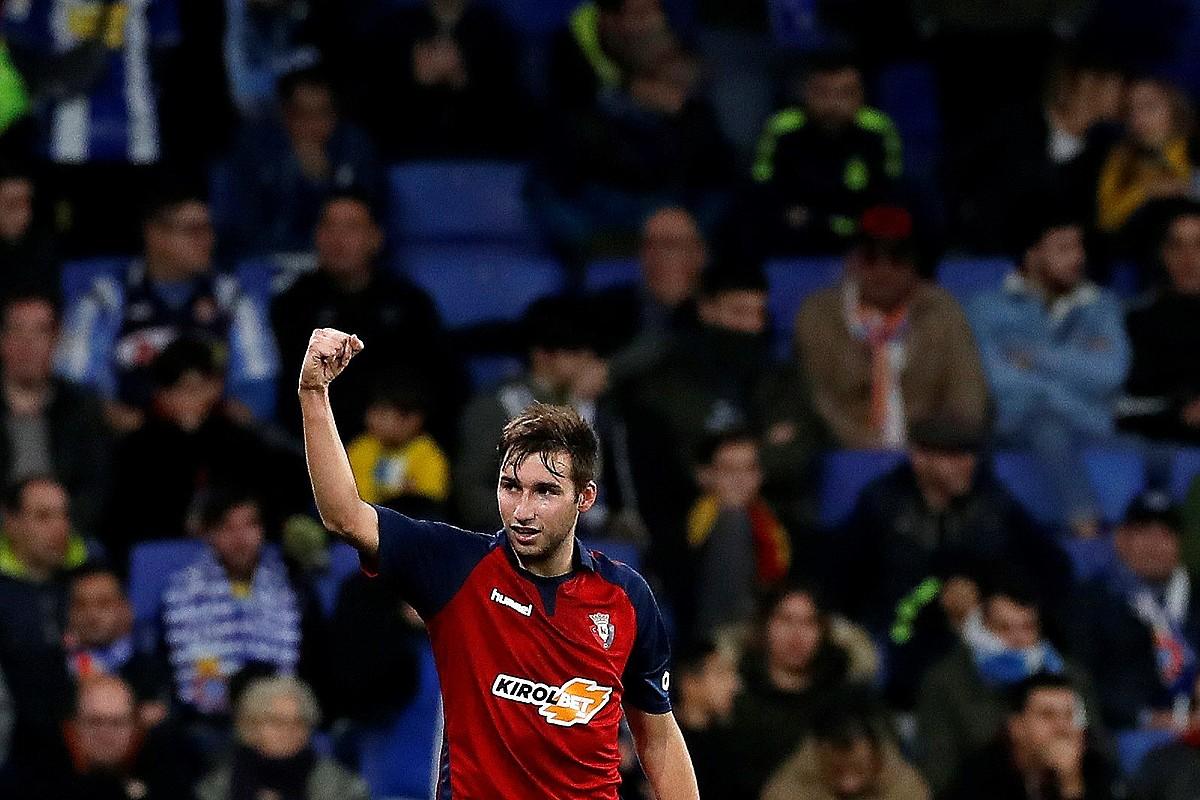 Jon Moncayola, azken partidan Espanyoli sartutako gola ospatzen. ©ALBERTO ESTEVEZ / EFE