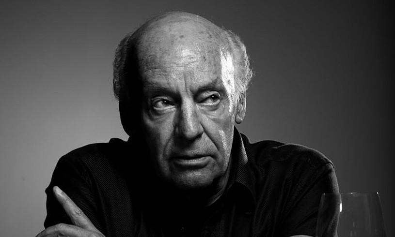 2015eko apirilean zendu zen Eduardo Galeano, eta bi aste beranduago argitaratu zuten haren azken liburua. ©BERRIA