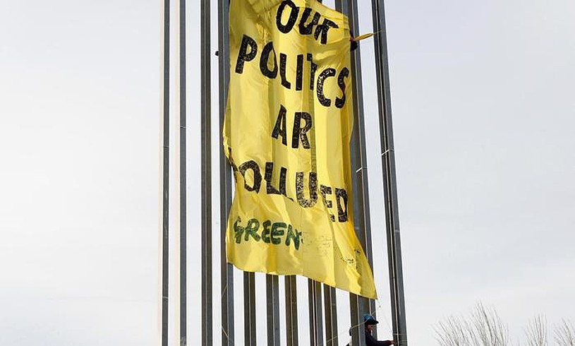 Greenpeacek �politika kutsatuak� salatu zituen COP25en. ©ZIPI / EFE