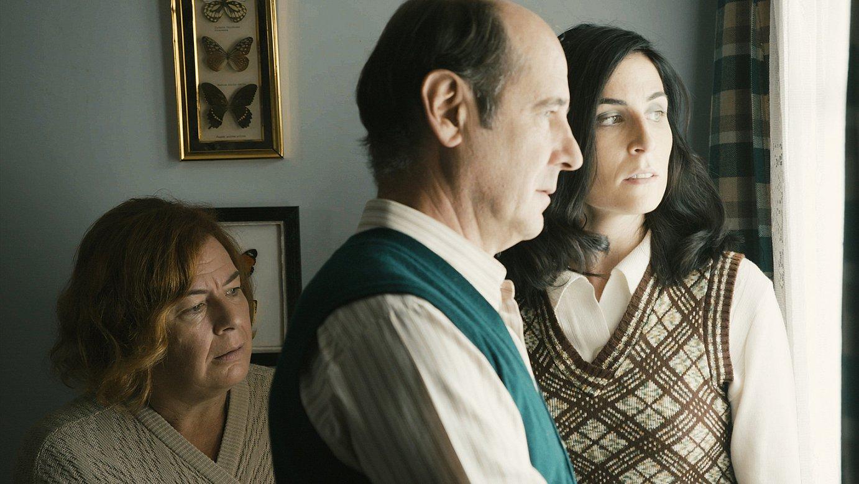 Miren Gojenola, Mikel Laskurain eta Nerea Gorriti, <em>Ihesaldia</em> telesailaren fotograma batean. ©PAUSOKA