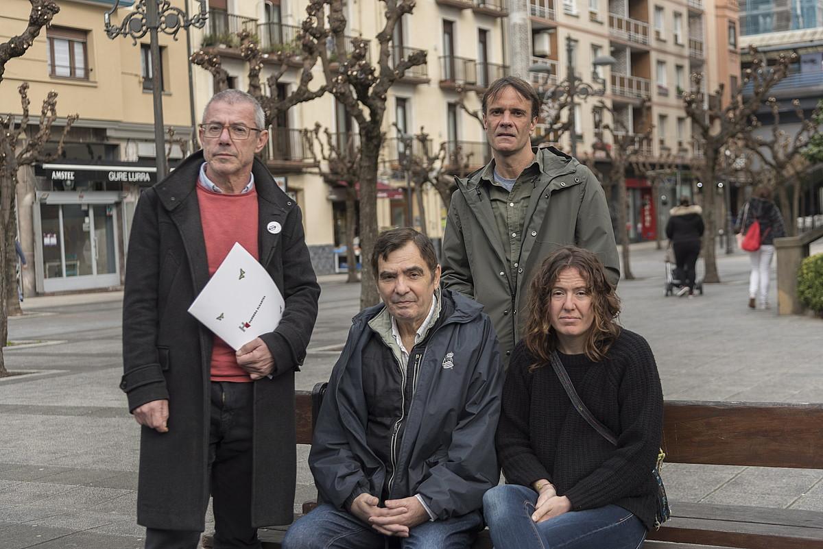 Maite Aranalde, Juan Miguel Ipiña, Juan Karlos Ioldi eta Kepa Etxeberria, hilaren 16an, Pasaian. ©ANDONI CANELLADA / FOKU