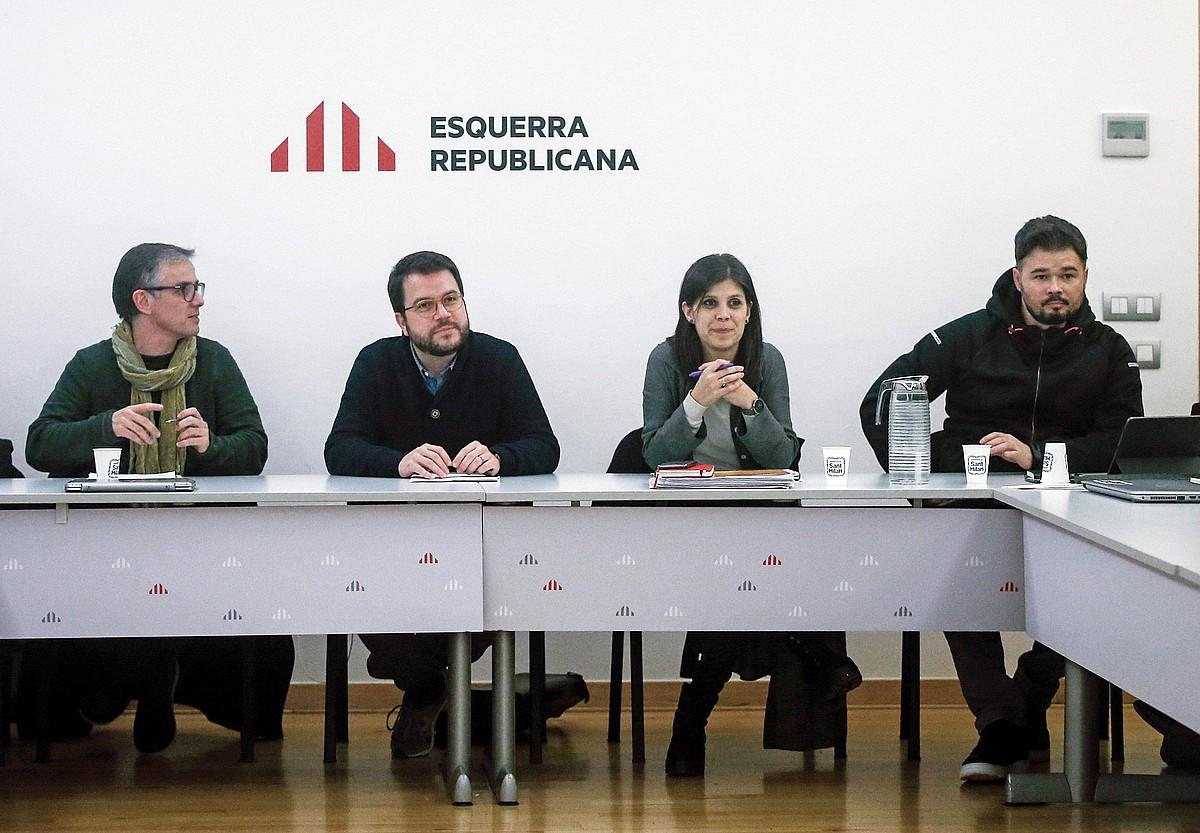 Josep Maria Jove, Pere Aragones, Marta Vilalta eta Gabriel Rufian, atzo, alderdi errepublikanoaren batzorde eragilearen bileran, Bartzelonan. ©QUIQUE GARCIA / EFE