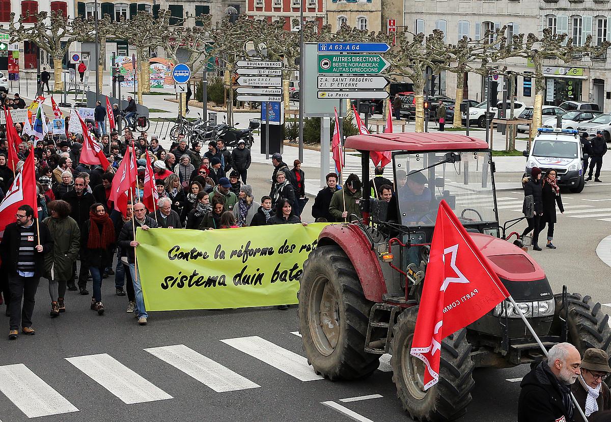 Jende andana elkartu zen abenduaren 28an Baionan egin zuten manifestazioan. ©BOB EDME