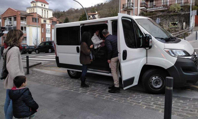 Mirentxin Gidarien furgoneta bat. / BERRIA