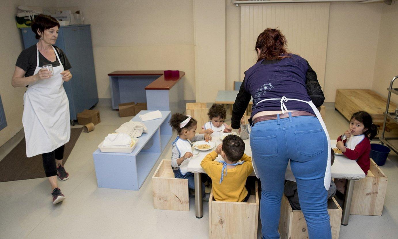 Bazkalordua Donibaneko haur eskolan, Iruñean. ©IÑIGO URIZ / FOKU